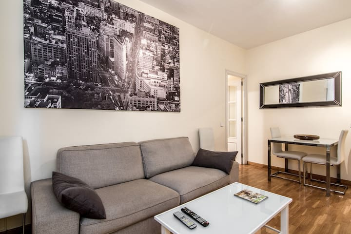 Fantastico piso en sagrada familia appartements louer for Piso sagrada familia malaga