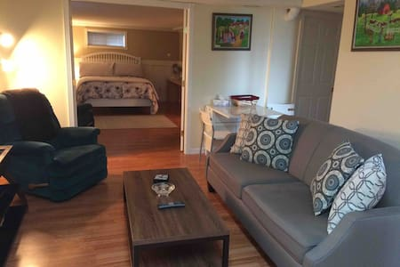 Private suite - Family Home in Murrayville
