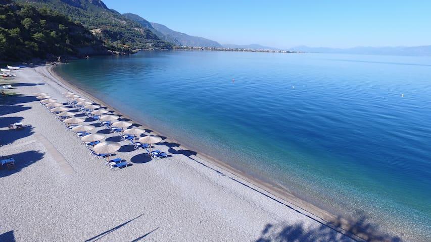 Villa Pounta, beach front