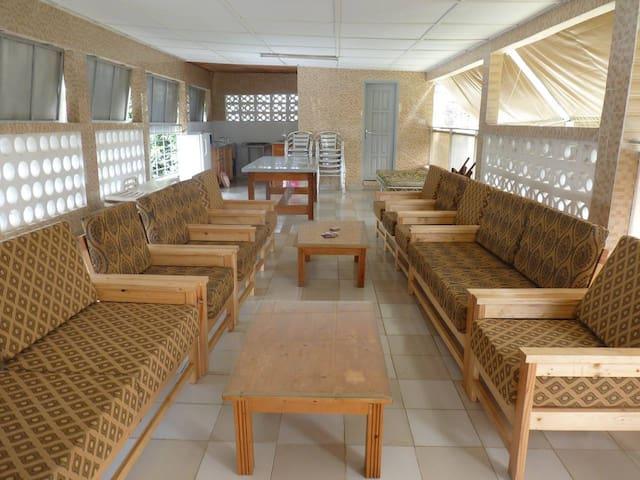 Chambres salon terrasse à Cocody Riviera 2