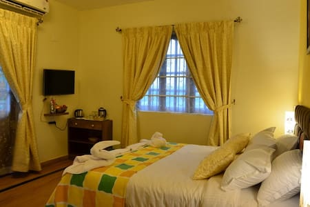 Luxurious Deluxe Room at a Boutique Resort, Parra - Mapusa