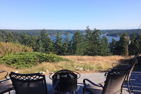 Orcas Island Cabin on the bluff