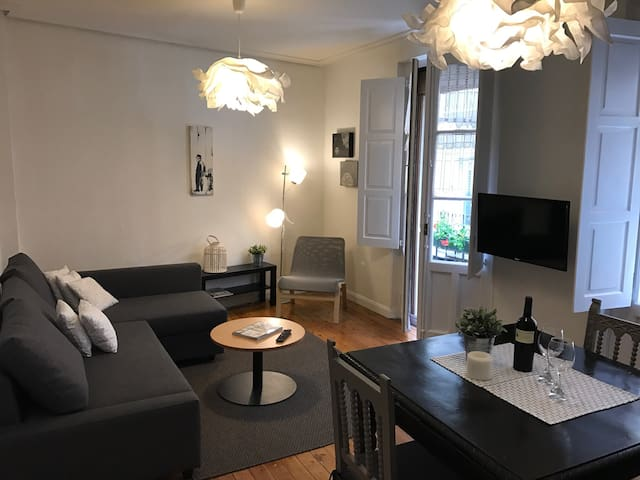 Experience in the Center of Pamplona - Pampeluna - Apartament