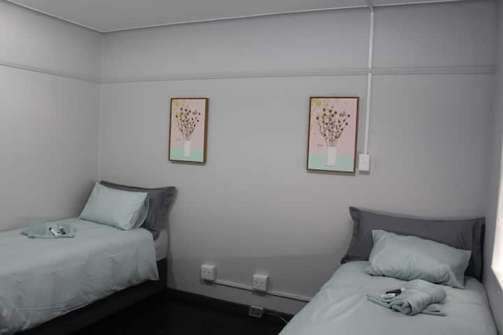JEWELS SELF CATERING