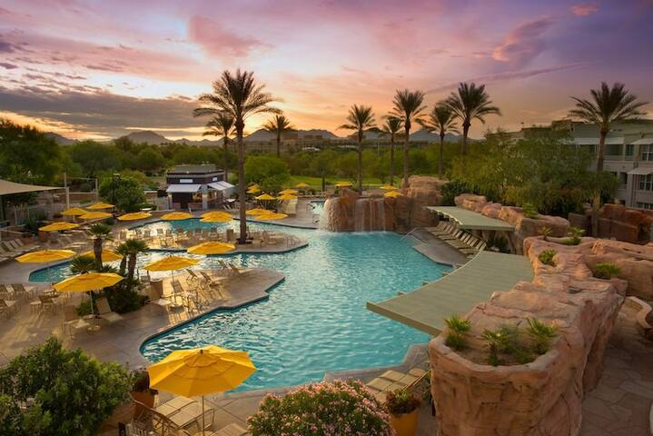 Marriott Canyon Villas & Fabulous Resort