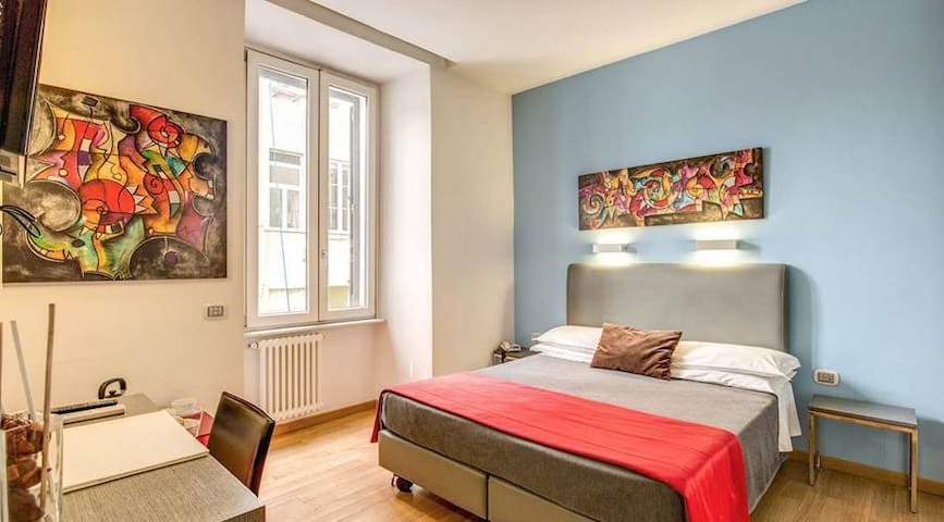 double room near spanish steps