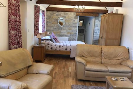 The Snug at Mill Barn - rural retreat