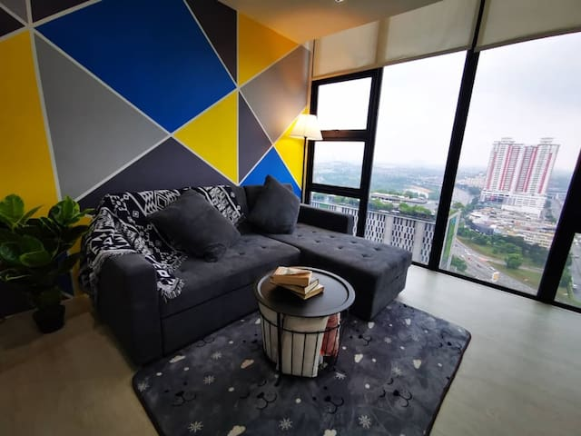 2-7 pax Cozy Suite The Square Sky park One City