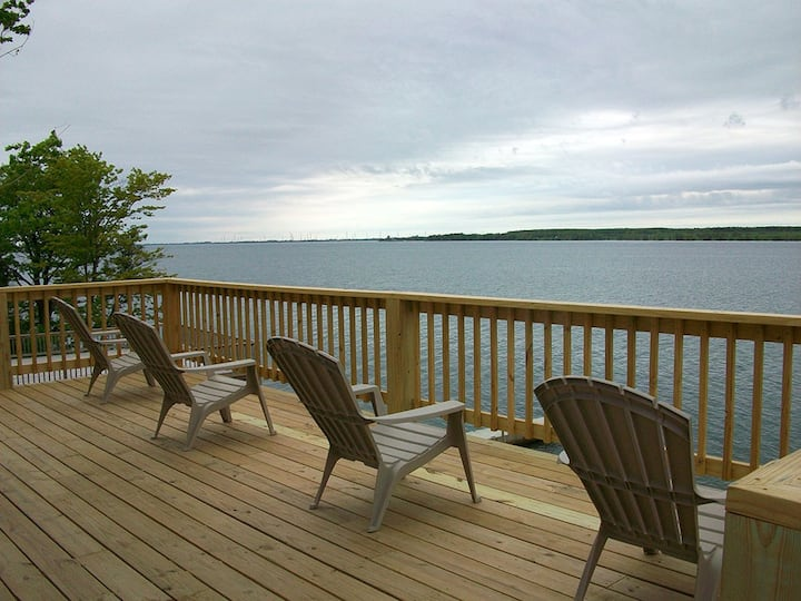 St. Lawrence River retreat cottage (#12)