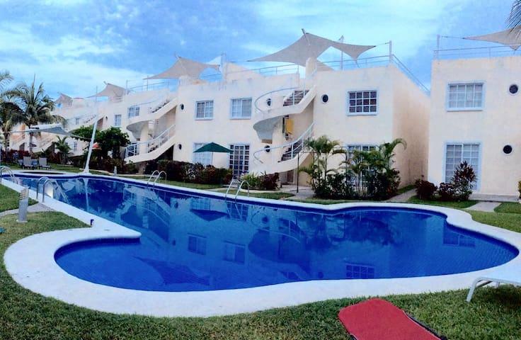 ACOGEDOR DEPA MUY CERCA DE LA PLAYA - Acapulco