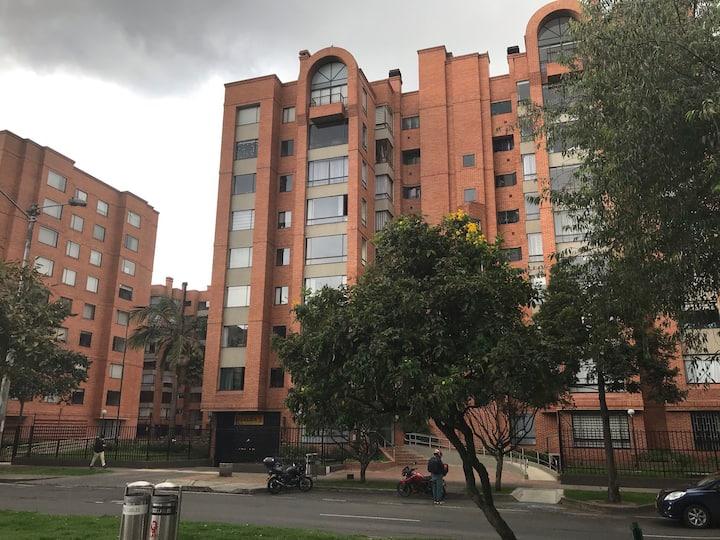 Habitación en apto de 120 mts ciudad salitre