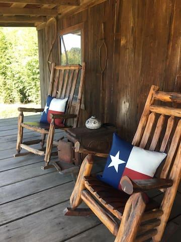 Texas Bunkhouse at Bluegill lake Cabins