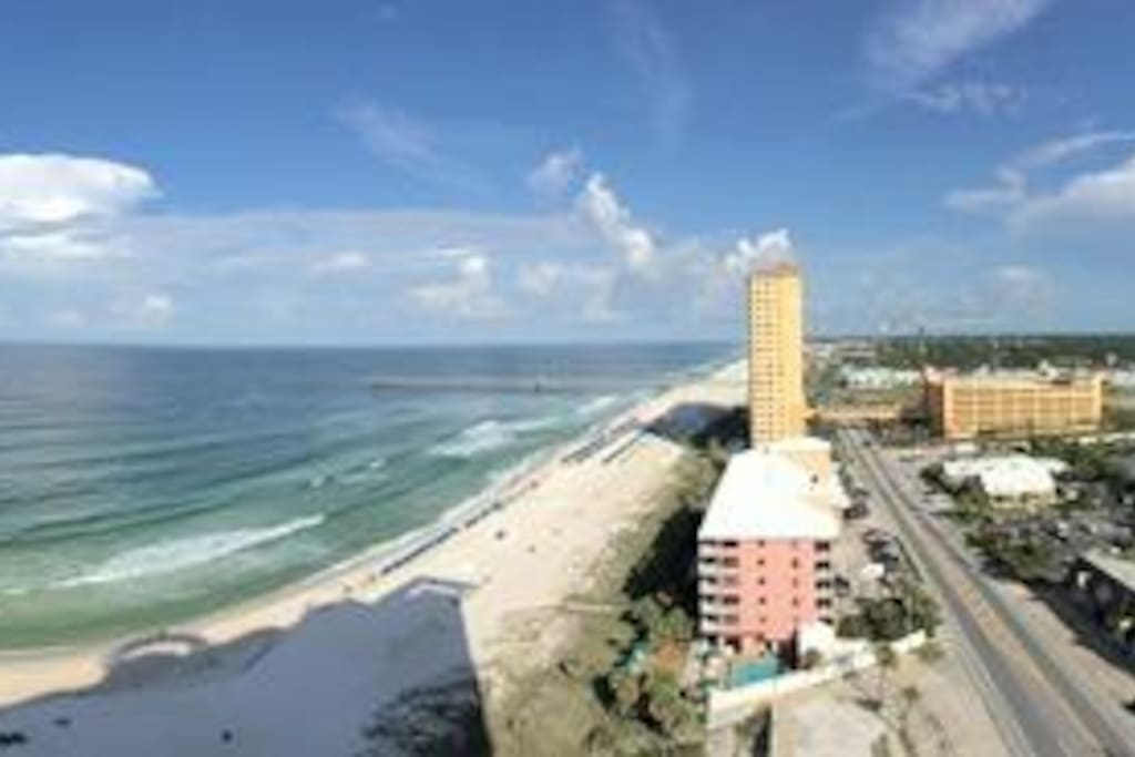 Panoramic view of beach, Pier