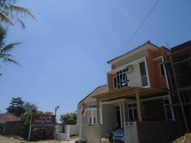Princess Crown Villa 2 (3 Bed Room)