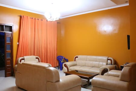 Modern convenient Bungalow w/4 bedroom at Rusororo