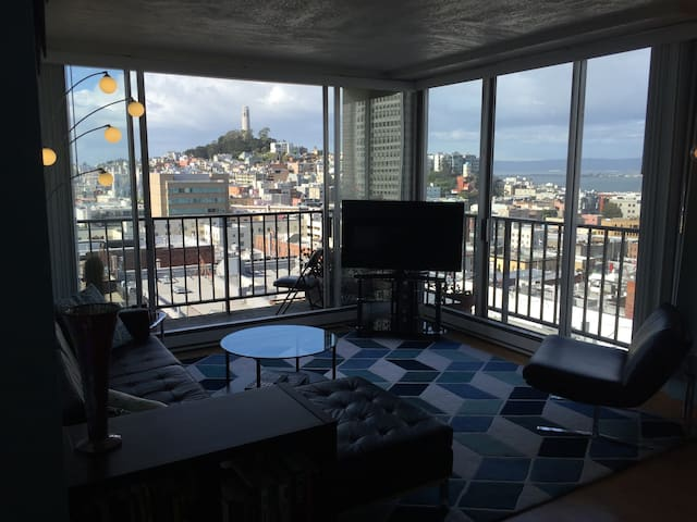 Long-term stay at Chinatown pad with epic views!
