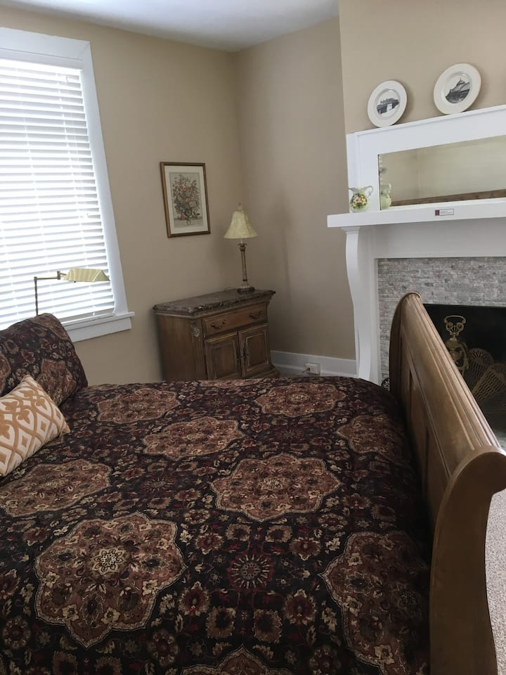 Newly Remodeled Apt in Pgh 15221 #3