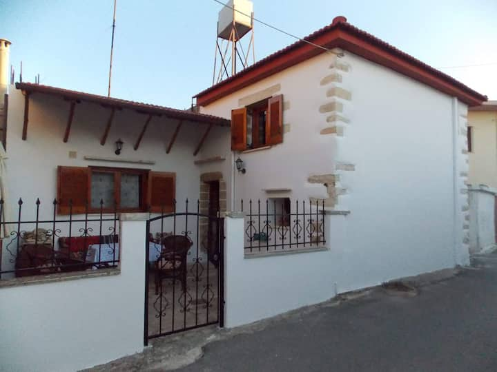 Traditional Luxury Villa Fres