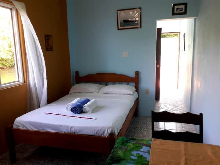 See Belize Sea View POOLSIDE Bedroom with Decks