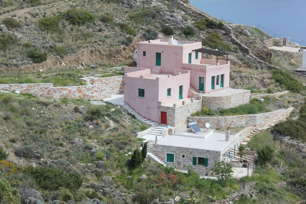 Traditionaly constructed with Naxos marble stones