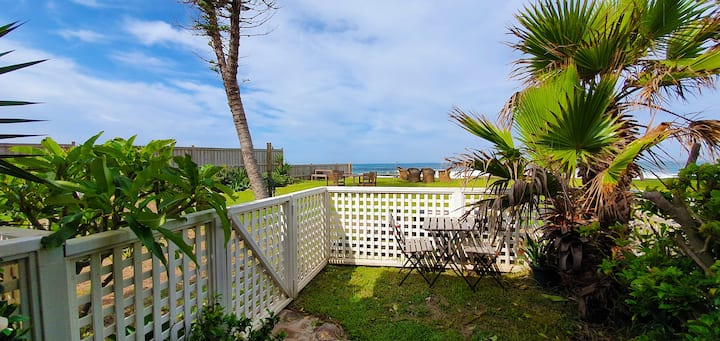 Beachfront paradise retreat - Apt. 5