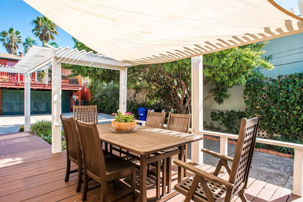 Canopied Deck with Seating for Six