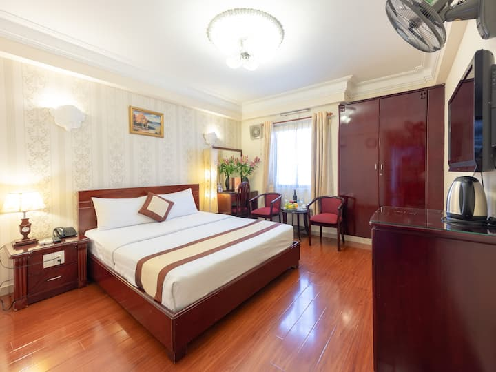 City View Hotel _ Deluxe Double Room
