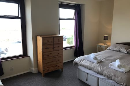 Beach View Oystermouth Rd - Room 5