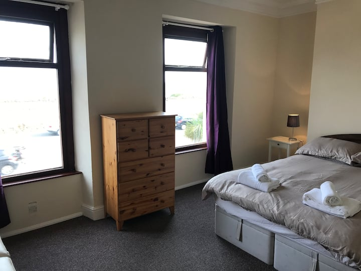 Room 5 - Beach View Oystermouth Rd