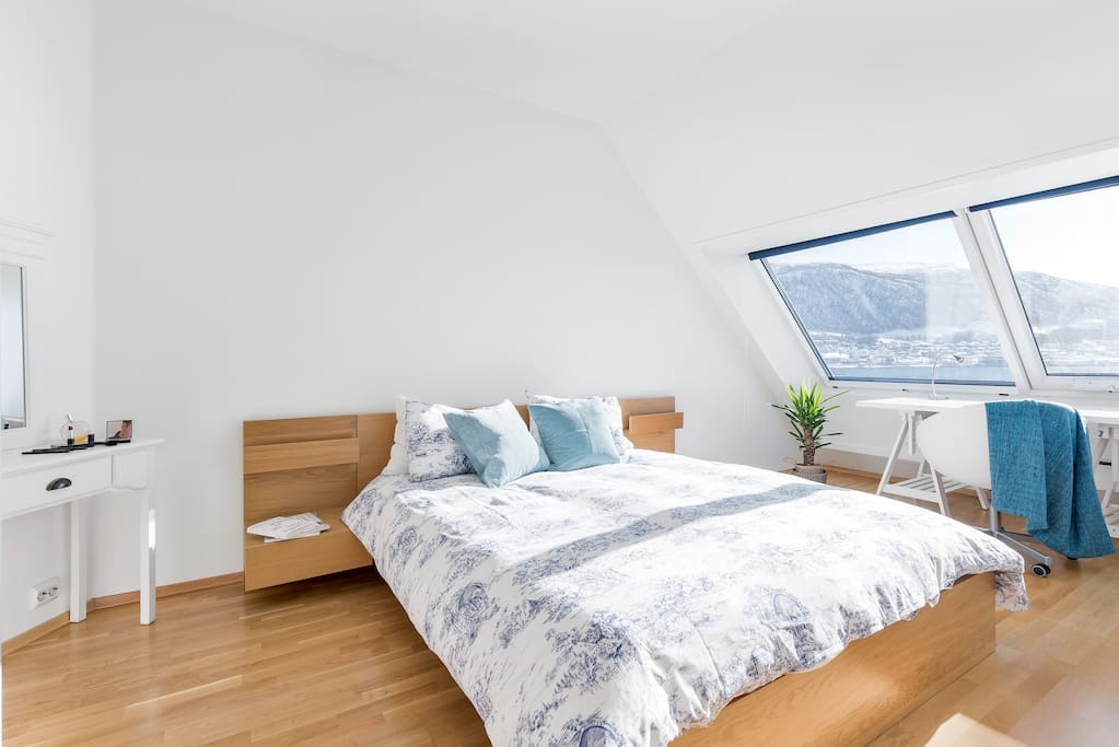 22 m2 master bedroom with spectacular views over the fiord