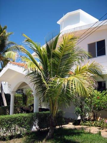 Villas Punta Sur 7 - Two Bedroom Apart. downstairs - Isla Mujeres - Talo