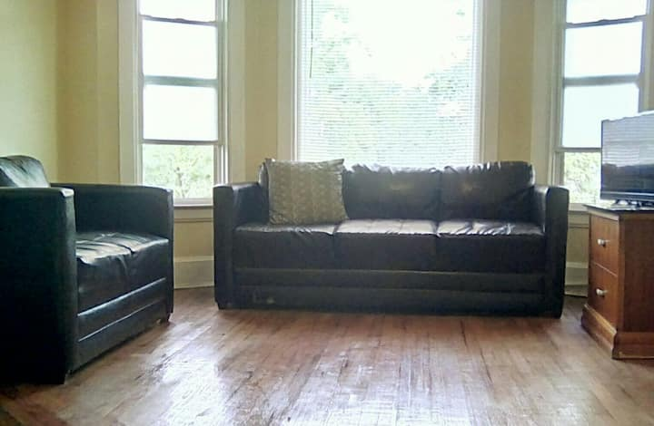 Hot North End 1 Bedroom & Office  1 bath  Apt W2