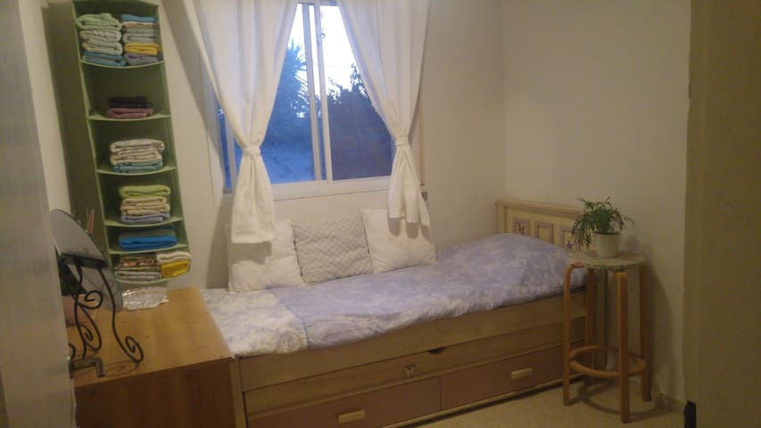 2 beds bedroom in Ramot
