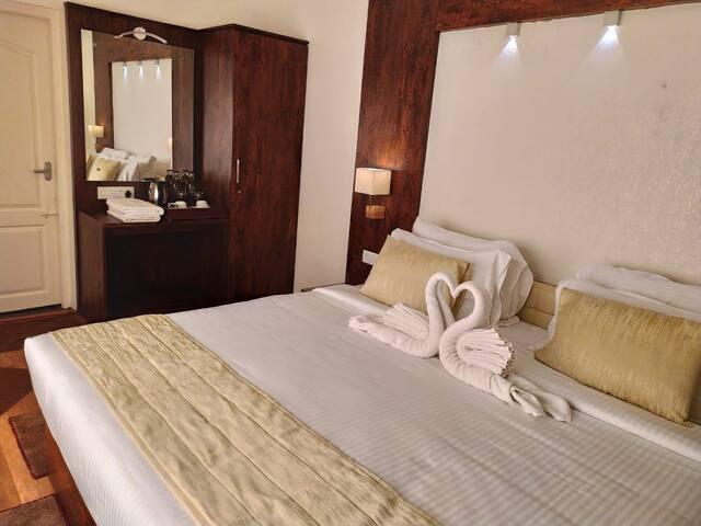 Delightz Inn-Deluxe Room NonView with Balcony