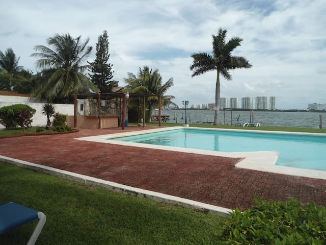 Beatiful one bedroom apartment! Best Location! - Cancún - Appartement