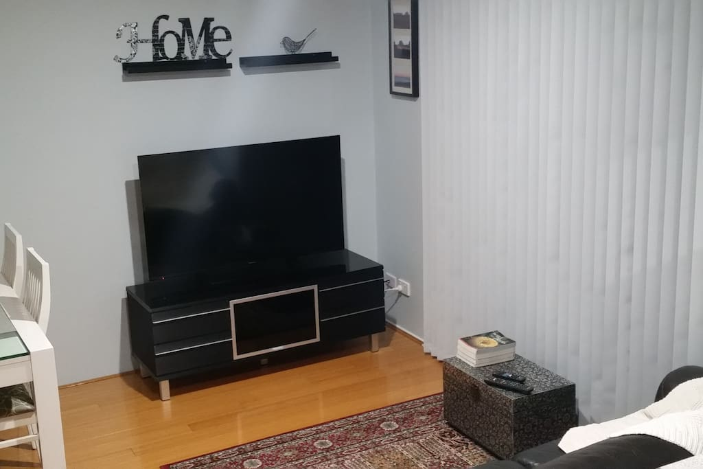 Stylish 2 Bedroom Unit Wifi Phone Netflix Aircon Apartments For Rent In Morningside