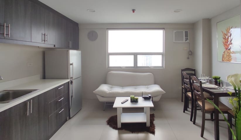GT SUITES 2 BEDROOM LOFT TYPE ROOM A (18TH FLOOR)