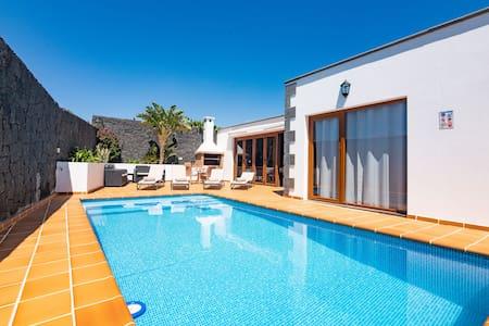 Villa Feel, Villa amplia, espaciosa y confortable