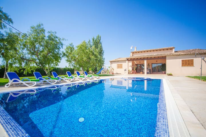 SON CRESTES - Villa for 6 people in Sa Pobla.