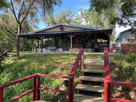 Dunnellon Riverside Retreat