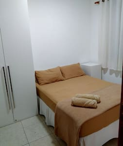 Private cozy bedroom. Easy to get around