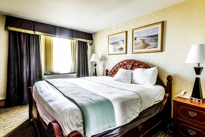 Comfy King Hotel Room 25 MIN to Manhattan