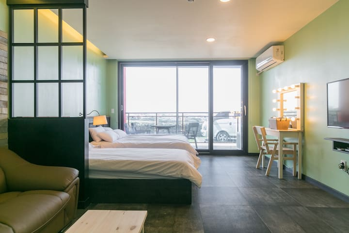 TERRACE Twin Room 2~3people 디럭스트윈룸2~3인실 월정리해변3분거리 - Gujwa-eup, Jeju-si
