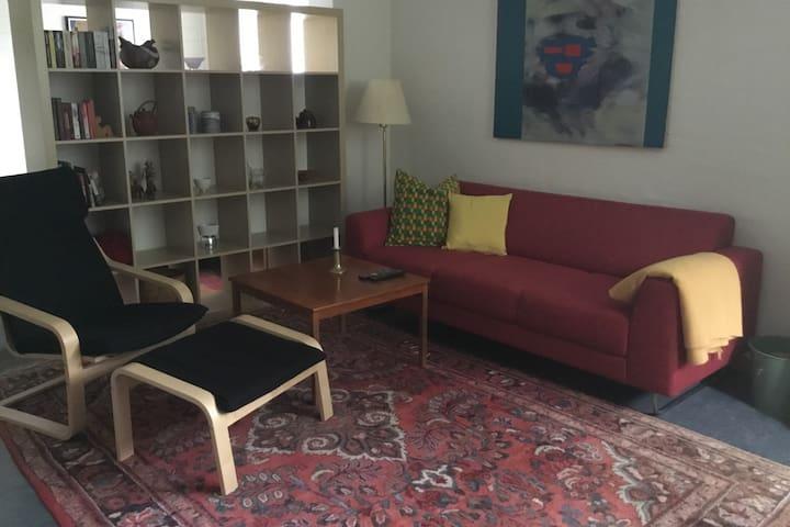 Koselig leilighet i rolig strøk nær sentrum