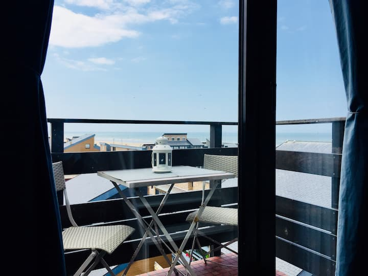 MIni duplex plein sud, vue mer et plage Deauville