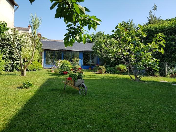 Charmant studio indépendant avec jardin