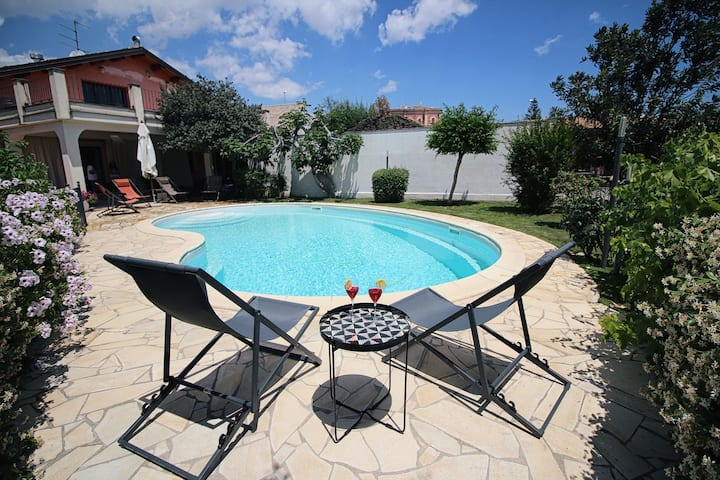 City Cottage with Pool - La Cerza
