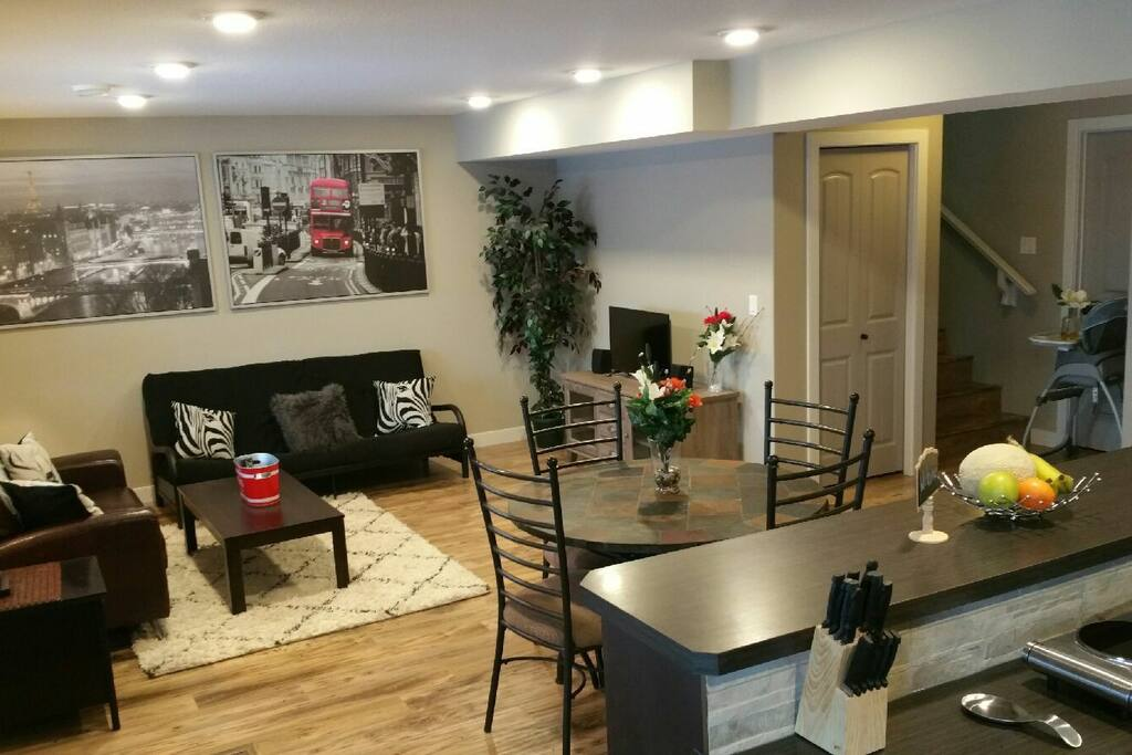 Living Room & Futon