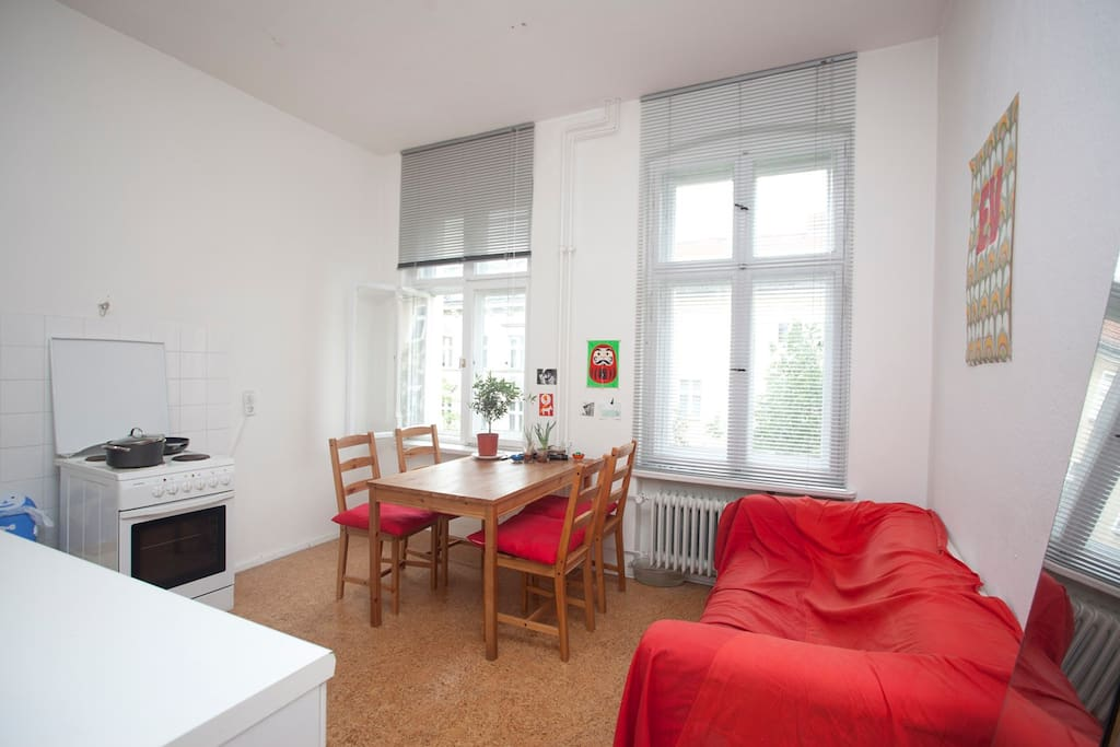 central sunny fully furnished apartments for rent in berlin berlin germany. Black Bedroom Furniture Sets. Home Design Ideas