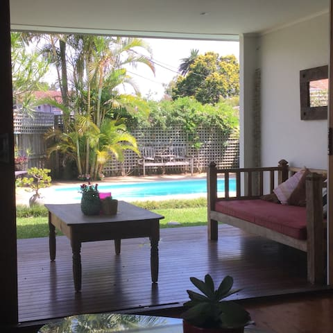 Beachside Family Home - Manly - Rumah
